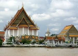 Wat-Rakhang-bell-temple